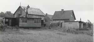Hus set fra kysten