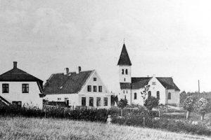 oesterhus-og-kirke-1939-bear